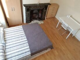 Two DOUBLE Rooms and ONE SINGLE Room AVAILABLE NOW