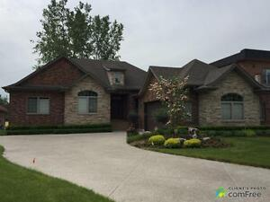 $619,900 - Bungalow for sale in Lakeshore