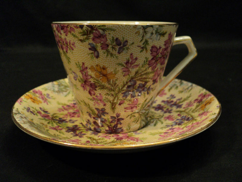 """BEAUTIFUL LORD NELSON """"HEATHER"""" CHINTZ CUP & SAUCER"""