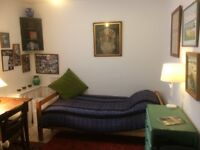 Cosy room, nr Jericho: July/Aug. Non-smoking house (with friendly dog); suit academic/prof.