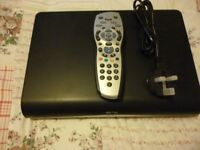SKY + HD BOX MODEL DRX890