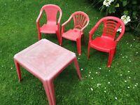 3x children's garden chairs & table