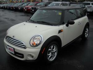 2013 MINI HATCH COOPER- SUNROOF, LEATHER HEATED SEATS, ALLOY WHE