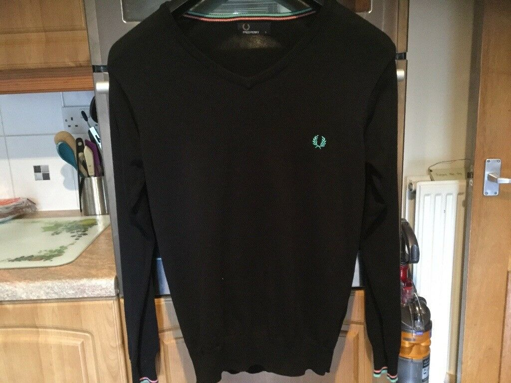 FRED PERRY black men's jumper size small, about 59cms pit - pit. BRAND NEW NO TAGS SORRY.