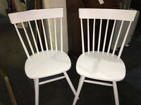 Attractive Pair of White Solid Country Kitchen Style Occasional/ Bedroom Chairs