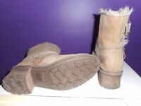 Ladies Caterpillar Boots size 6