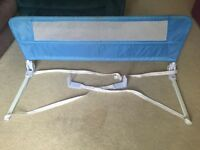 Lindam bed guard. blue.