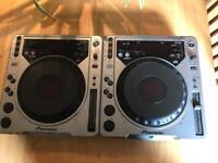 Pioneer CDJ 800 x2