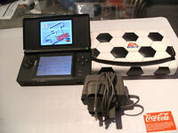 NINTENDO DS LITE CONSOLE, TT CARTRIDGE & 90+ GAMES & CARRY CASE & CHARGER