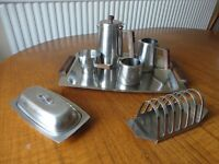 VINTAGE RETRO STAINLESS STEEL TEA AND COFFEE SET IN USED CONDITION