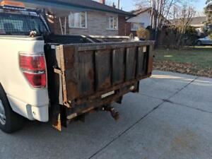 HOC 2011 FORD F150 REGULAR CAB + 1300 POUND LIFTGATE CAPACITY + 8 FOOT BOX