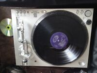 Stanton str8-80 direct drive turntables (pair) in great condition.