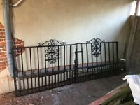 10ft cast iron / metal gates
