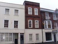 1 Bedroom Flat in Town Centre £850pcm plus bills