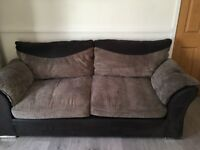 2 and 3 seater sofa for sale in good clean condition
