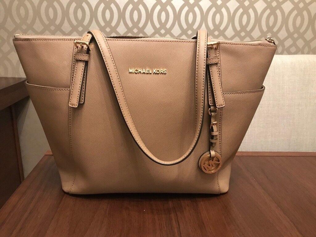 55afca9601    Michael Kors Bag