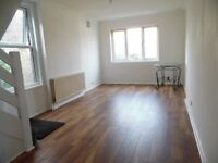 BRAND NEW 1 BED WITH EXTRA STUDY ROOM SPLIT OVER 2 FLOORS AVAILABLE NOW BRIXTON