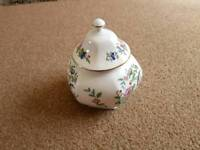 Aynsley Pembroke Pot with Lid