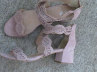 ladies shoes size 8 pink worn once in excellent condition