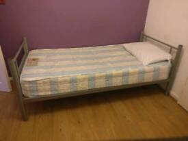 1 Double room available close to wood Green 125 for