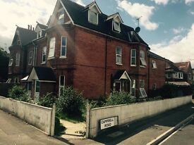 One bedroom flat UNFURNISHED In Carysfort Rd