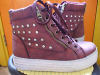 WOMEN'S ANKLE BOOTS-SIZE 4/37-MAROON WITH BACK & SIDE ZIPS