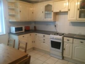 3/4 BED FLAT WITH PRIVATE GARDEN in E1, Stepney/Limehouse E1