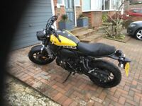 Yamaha XSR 700 - mint condition