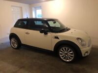 MINI COOPER 1.6 HATCH AUTO - LADY OWNER, FULL SERVICE HISTORY, EXCELLENT CONDITION!