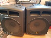 """600w 2 x Speakers 12"""" Available for drop off [london ] free off charge !!! includes cables !!"""