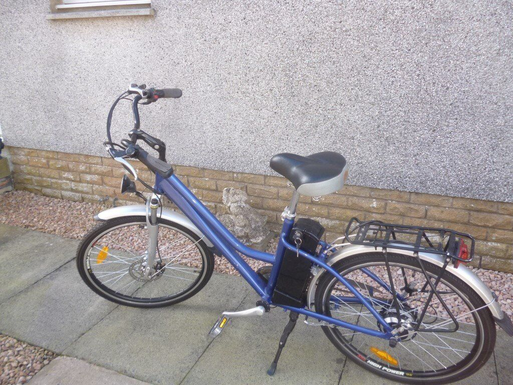 electric bike 3 years old only used a few times may need battery bike like new,