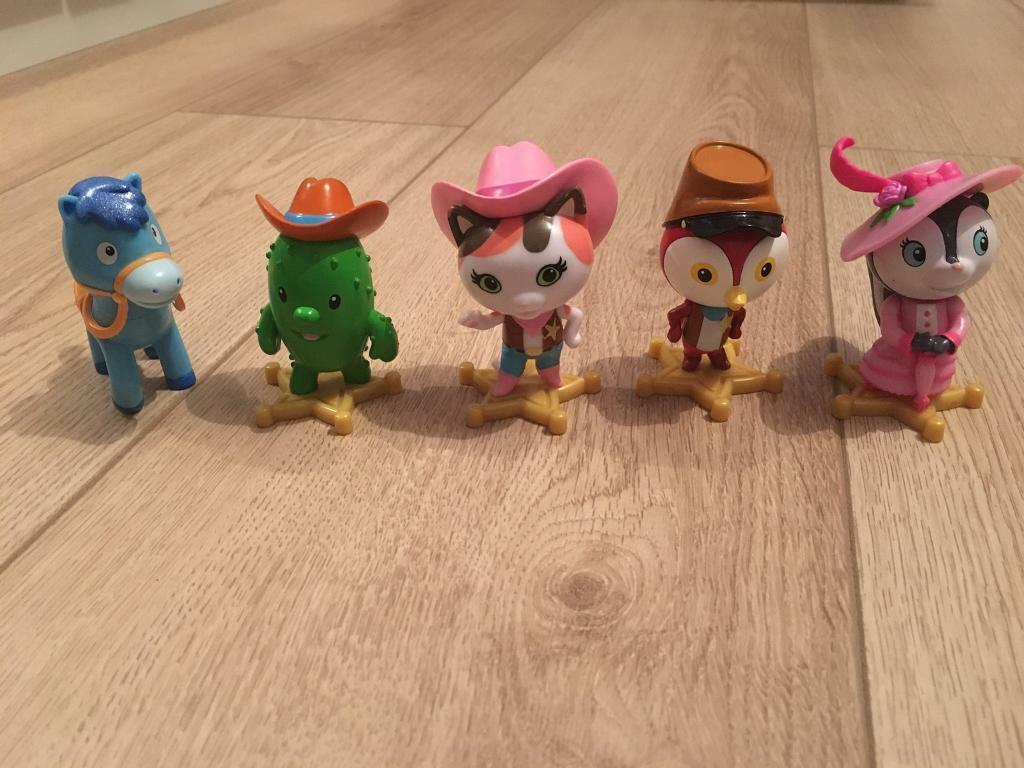 Sheriff Callie figures