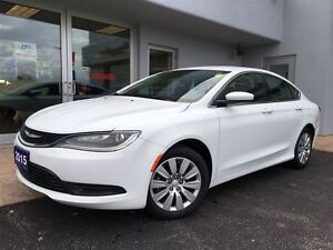 2015 Chrysler 200 LX GREAT ON FUEL!!!