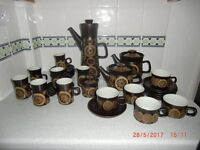 LARGE QUANTITY OF DENBY 'ARABESQUE' OVEN-TO-TABLEWARE