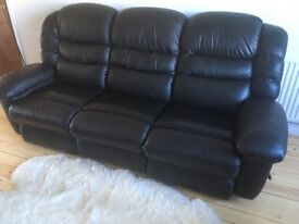 3 seat (2 recline) la-z-boy black leather sofa - excellent condition comes apart for transport