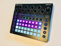 Novation Circuit Groovebox Synth Drum machine