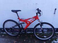 Mountain bike full suspension, Large Frame ** i can deliver **