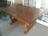 Large Solid Extendable Dining Table And 6 Chairs