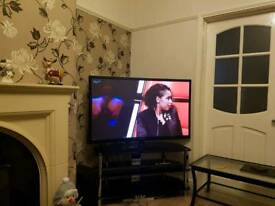 51inch Samsung tv with built-in freeview