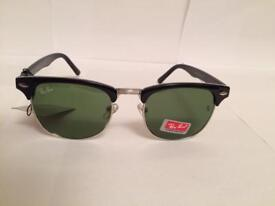 RayBan Clubmaster Sunglasses RB3016 (gloss black/silver rim)