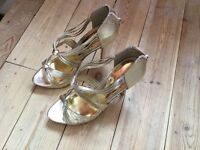 Gold metallic platform party heels size 5