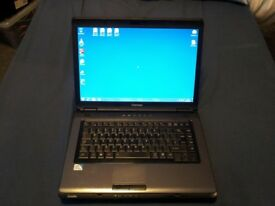 "Laptop Toshiba Satellite Laptop 15.4"" screen"