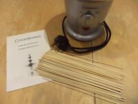 Electric chocolate fondue with free fondue sticks ideal for parties