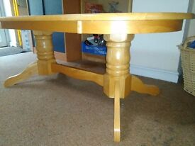 Small livingroom coffee table