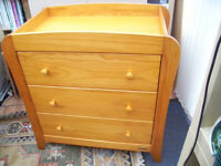 Nursery dresser/changer in very good condition.