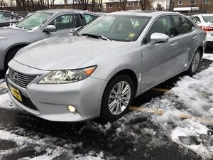 2013 Lexus ES 350 Automatic, Navigation, Leather, Heated Seats