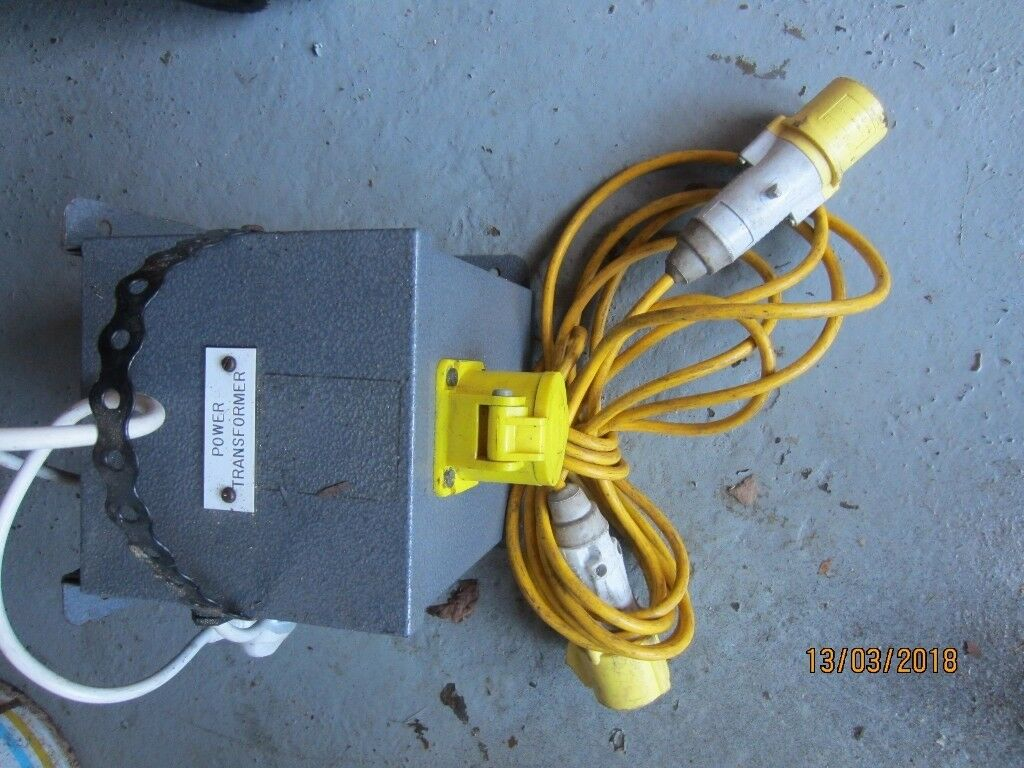 240 to 110 volt transformer and 4 metre extension lead | in ...