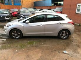 2015 HYUNDAI I30 BLUE DRIVE AUTOMATIC UNRECORDED DAMAGED SALVAGE SPARES OR REPAIRS CAT D C BARGAIN