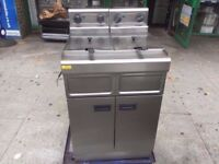 ELECTRICAL FASTFOOD TWIN TANK FRYER MACHINE COMMERCIAL FISH CAFE RESTAURANT CATERING MACHINE NUGGETS