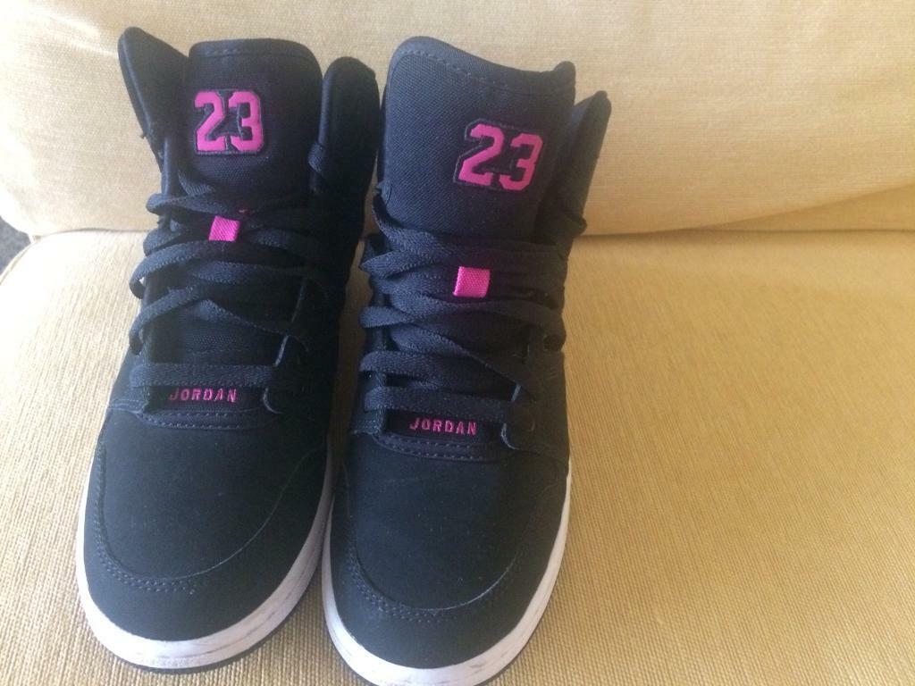 3b5f035f1c Ladies Girls Nike Hi Top Black Pink UK Size 6   in East Dunbartonshire    Gumtree